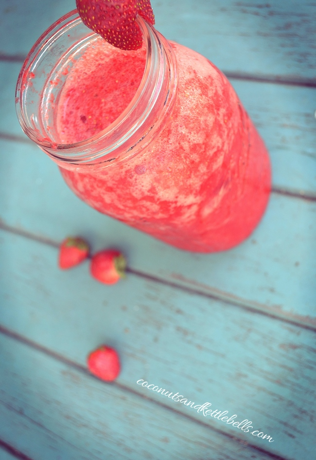 Strawberry Kombucha Smoothie Drink