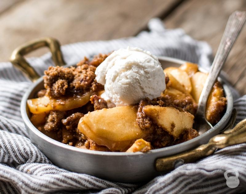 Paleo Baked Apple Crisp (Vegan, Gluten-Free)